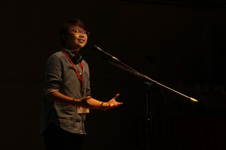 Mok's poems touched the hearts of the audience. Image by Eksentrika